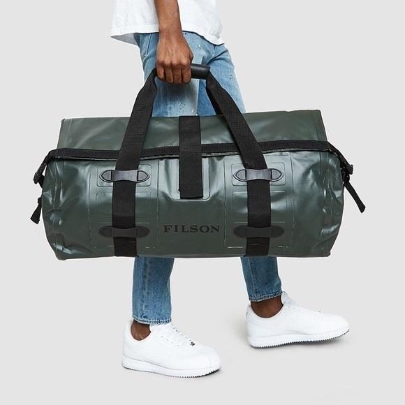 cece5fc194 Filson Medium Dry Waterproof Duffel Bag